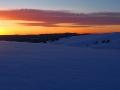 Zachód słońca ze szczytu góry jest niepowtarzalny...