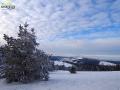 Niebo zimą nad Bieszczadami przed zmianą pogody.
