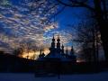 Cerkiew w Turzańsku z 1803r. w promieniach zachodzącego słońca.
