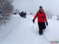 W rakietach śnieżnych można też biec! I to zawsze proponujemy naszym turystom.