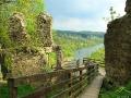 Widok z ruin ZAMKU SOBIEŃ na rzekę San.