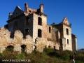 Budynek kościoła w ruinach klasztornych karmelitów bosych w Zagórzu.