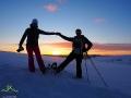 Po zachodzie słońca podczas wędrówki na rakietach śnieżnych po Połoninach Pogórzańskich.