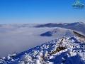 Mgły po stronie północnej Połoniny Caryńskiej i widok w stronę Tarnicy, Halicza, Bukowego Berda...