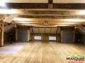 Sala na piętrze, od której zaczyna się spektakl przenoszący widzów o 100 lat...