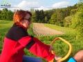 Kobiety na traktory! - jak powiedziała koleżanka przewodniczka Bożenka jadąc na drezynie pośród uprawnych pól.