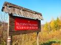 Tablica z nazwą rezerwatu przyrody w Duszatynie.