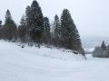 Zdjęcie panoramiczne na zakręcie najdłuższej trasy narciarskiej w Kalnicy.