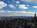 Góry, lasy i błęki nieba w jeden z zimowych dni w Bieszczadach...
