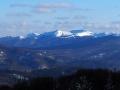 Panorama na najwyższe szczyty Bieszczad widziana z góry KORBANIA 894m. Od Wołowego po lewej aż po Smerek po prawej.