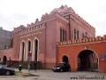 Zrekonstruowana ortodoksyjna SYNAGOGA z końca lat 30-tych (czynna) i szkoła żydowska.