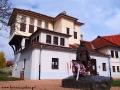 Pomnik Franciszka Rakoczego II przy domu wzorowanym na rezydencji tureckiej, w której mieszkał.