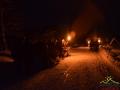 Wieczorem po ognisku z kiełbaskami kulig po Bieszczadach jest z pochodniami.