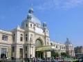 Główne wejście na dworzec kolejowy we Lwowie.