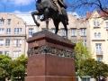 Pomnik Króla Daniela założyciela Lwowa.