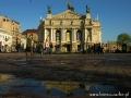Fasada Teatru Opery lwowskiej po burzy.