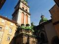 Wieża Korniakta dominująca ponad cerkwią Uspieńską nazywaną Wołoską 1591–1629.