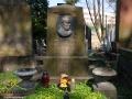 Pomnik WŁADYSŁAWA BEŁZY autora m.in. Katechizmu Dziecka Polskiego - Kto Ty jesteś? Polak mały...