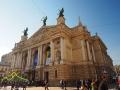 Opera we Lwowie była budowana w latach 1897-1900. Posiada 1000 miejsc siedzących.