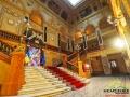 Wewnątrz Opery kilka razy do roku można zobaczyć słynną kurtynę H. Siemiradzkiego oraz warto odnaleźć salę lustrzaną...