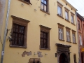 NAFTOWA LAMPA restauracja Lwów - Jan Zech woła z okna do siedzącego Łukasiewicza...