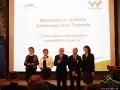 Pierwsi nagrodzeni honorowymi odznakami Ministra Sportu i Turystyki za Zasługi dla turystyki.