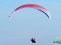 Paralotniarz lecący na fotografa ;-)