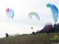 Dmuchnął wiatr, więc paralotniarze startują w Bezmiechowej.