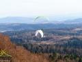 Loty na paralotniach w Bezmiechowej koło Leska.