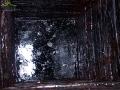 Wnętrze 50 m ręcznie wykopanej studni = kopanki najstarszej na świecie! - Bóbrka.