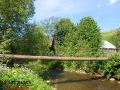 Idziemy przez potok lub kładką na Pikuj ;-)