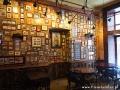 Kartki pocztowe na ściankach restauracji POCZTA.