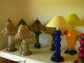 Lampy ze szkła w Hucie Szkła w Rymanowie.