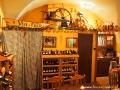 W dzwonnicy spisskiej obok kościoła znajduje się sklep z winem z całej Słowacji.