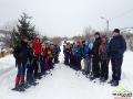 Grupa na końcu miejscowości Turzańsk gotowa do wyruszenia na wędrówkę górską.
