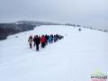 Wędrówka na rakietach śnieżnych po widokowych wzgórzach w okolicach Komańczy.