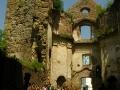 Ruiny klasztoru karmelitów bosych w ZAGÓRZU - wewnątrz ruin
