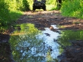 Przeprawiliśmy się samochodami UAZ przez rzekę Osława, a następnie błotnistą po deszczach dróżką.