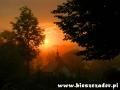 Wyjazd na wycieczkę na Węgry o wschodzie słońca - często po drodze widujemy cerkwie w takiej scenerii...