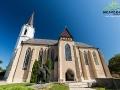 Obok kościóła w Sarospatak stoi pomnik św. Elżbiety siedzącej na koniu z bukietem róż - będzie o tym pewna legenda...