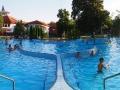 Jeden z kilkunastu basenów w Kąpielisku Parkowym obok basenów Aquarius w Sosto Furdo.