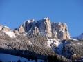 Narty w VAL di FASSA - widok z hotelu na Dolomity