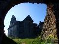 Brama prowadząca na dziedziniec dawnego Klasztoru Karmelitów Bosych w Zagórzu.