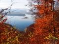 WYSPA MAŁA widoczna ze zboczy góry Jawor jesienią.
