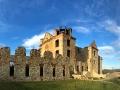 Ruiny klasztoru karmelitów bosych w Zagórzu widziane od strony południowej.