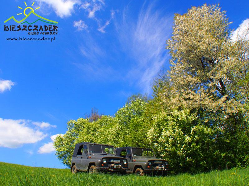 Bieszczady wyprawy UAZ / 4x4 / przygoda w Bieszczadach / najpiękniejsze widoki / cerkwie
