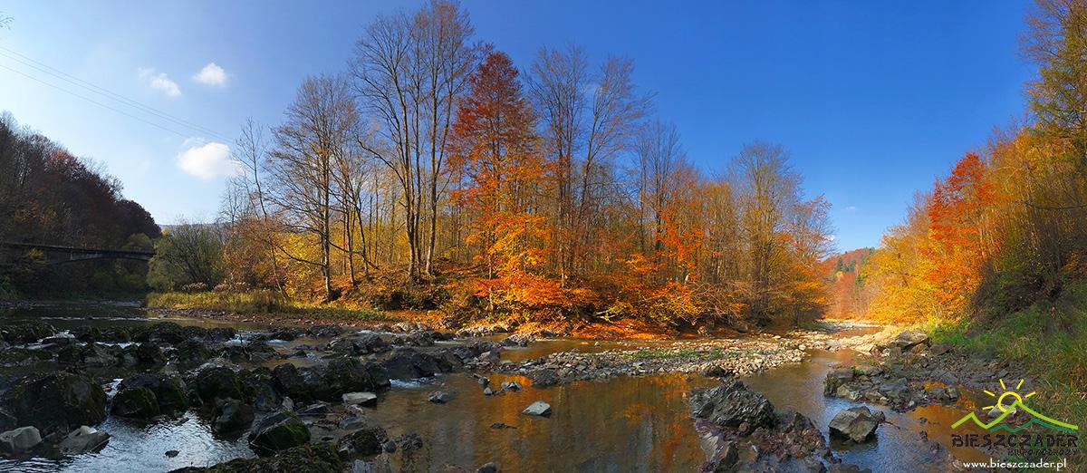 Zdjęcie panoramiczne wykonane w rezerwacie przyrody PRZEŁOM OSŁAWY POD DUSZATYNEM od wiaduktu ciuchci po kaskadę.