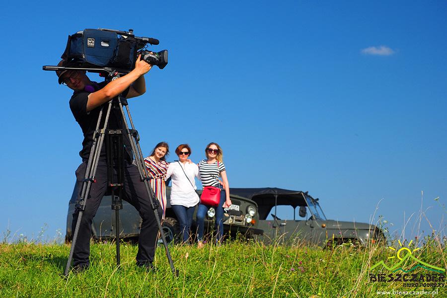 Pamiątkowe zdjęcie na koniec kręcenia filmu ekipy Telewizji Rzeszów.