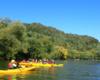 Znamy dokładnie rzekę San w Bieszczadach i wiemy gdzie można się bezpiecznie odwrócić kajakami, aby zrobić zdjęcie grupie wycieczkowej.