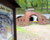 Drugą podstawową atrakcją wycieczki jednodniowej Przemyśl Ze Szwejkiem jest zwiedzanie jednego z fortów drugiej pod względem wielkości twierdzy wojennej w Europie.
